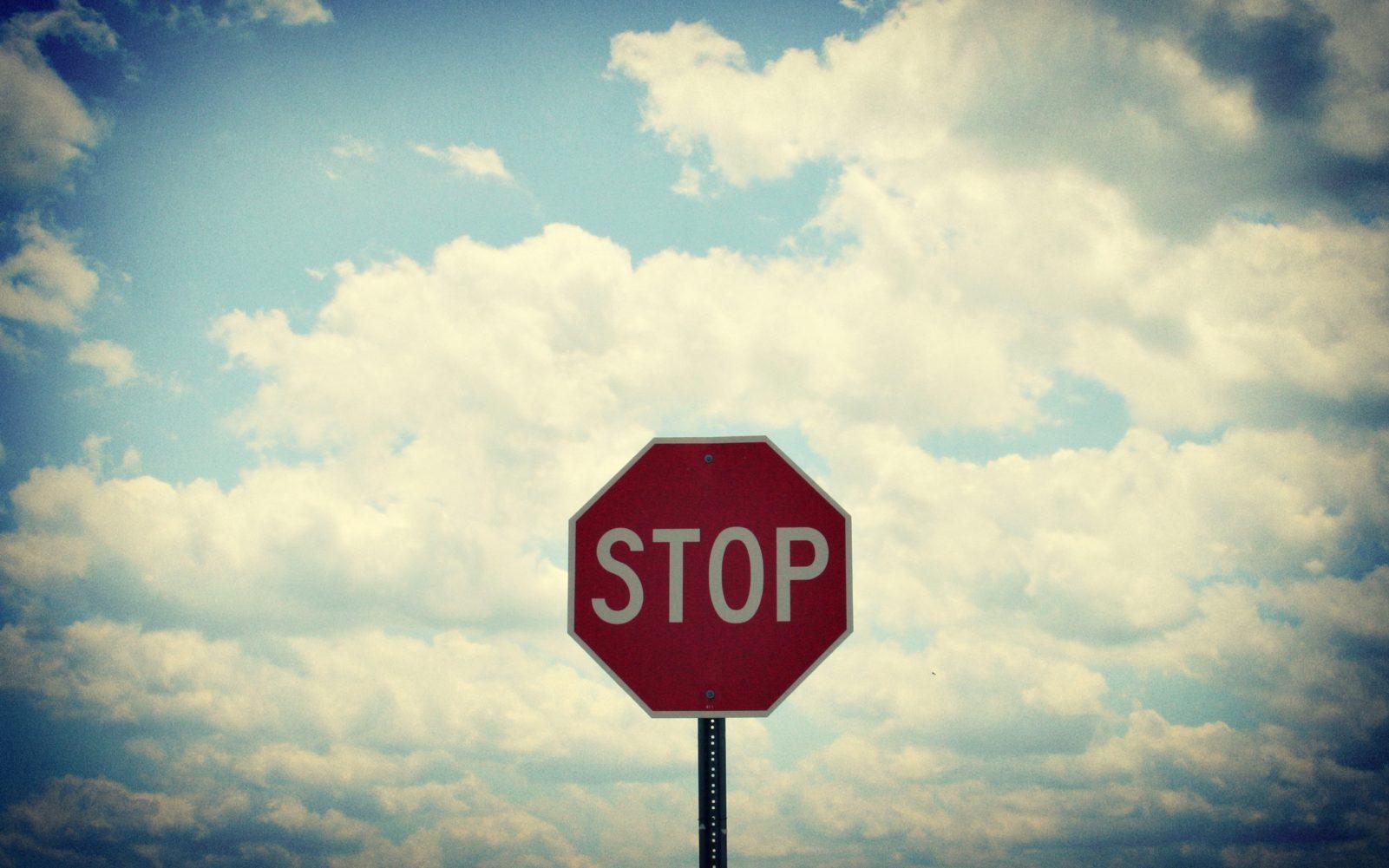 Как запретить клиентам отключать важные плагины в WordPress